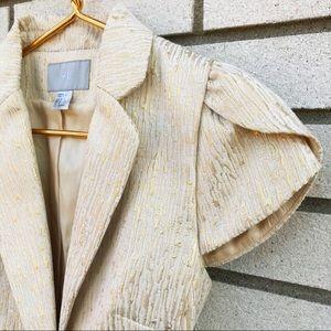H&M cream short-sleeved fitted blazer size 6